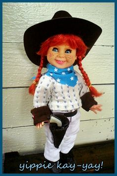 Maria Teresa, Elf On The Shelf, Harajuku, Dolls, Holiday Decor, Home Decor, Style, Artist, Baby Dolls