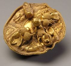 Gold Disc with Bees, BCE. Collection of Nasher Museum of Art at Duke University [no other information]. Note: Possibly Minoan(? Art Antique, Antique Jewelry, Bijoux Art Nouveau, Art Ancien, Bee Art, Gold Work, Ancient Jewelry, Viking Jewelry, Bees Knees