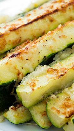Garlic Lemon and Parmesan Oven Roasted Zucchini - healthy, gluten free recipe!