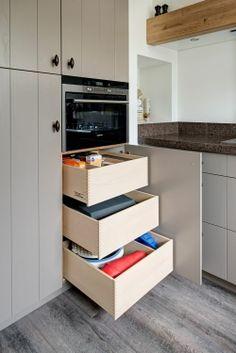 Meer dan 1000 idee n over grijze keukens op pinterest grijs keukens keukens en grijze - Lichtgrijze gang ...