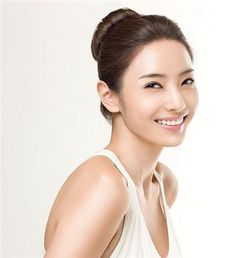 Korean actress Han Chae Young