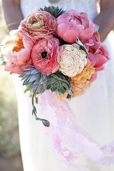 Primaveral y romántico ramo