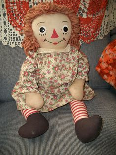 Vintage Original 1945 1947 Raggedy Ann Doll 20 by ALEXLITTLETHINGS, $120.00 Pretty dress fabric but needs a hair redo!