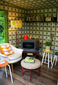 Orla Kiely's artisan garden retreat designed for the Chelsea Flower Show Retro Room, Cubby Houses, Chelsea Flower Show, Orla Kiely, Retro Home Decor, Retro Furniture, House Rooms, Living Spaces, Living Room
