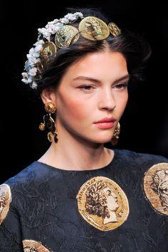 Peach cheeks & flower crowns @Dolce & Gabbana e & Gabbana Spring 2014. #divineglamazon