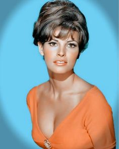 Net Image: Raquel Welch: Photo ID: . Picture of Raquel Welch - Latest Raquel Welch Photo. Rachel Welch, Hollywood Glamour, Hollywood Stars, Hollywood Actresses, Classic Hollywood, Easy Listening, Divas, Katharine Ross, Julie Newmar