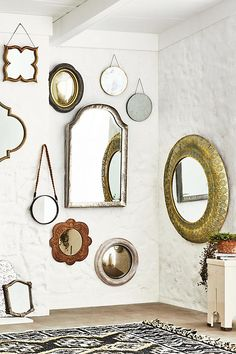 In this guide, you will see 20 daring DIY mirror frame projects you can try to make your mirrors interesting again. Mirror Gallery Wall, Mirror Collage, Gallery Walls, Wall Collage, Mirror Shop, Diy Mirror, Convex Mirror, Mirror Ideas, Home Decor Mirrors