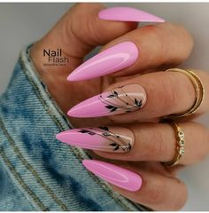 Ombre Nail Designs, Creative Nail Designs, Creative Nails, Nail Art Designs, Hot Nails, Hair And Nails, Lavender Nails, Different Nail Designs, Floral Nail Art