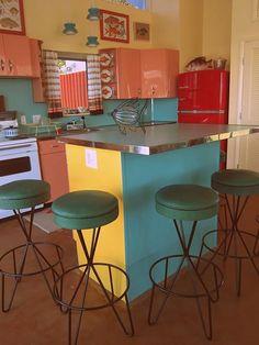 gorgeous (and authentic) retro kitchen