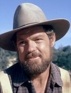 Merlin Olsen as Jonathan Garvey in Little House on the Prairie Laura Ingalls Wilder, Merlin Olsen, Ingalls Family, American Football Players, Michael Landon, Actrices Hollywood, Old Tv, Classic Tv, Hollywood Stars