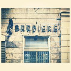 #barber #shop #bottega #barbiere #roma #rome #italy #italia #instagram #instashop #instaplace #instalovers #instagood #vscogrid #vscocam #vscoplace #vscobest #vsco #vintage #retro #hair #insignia #typo #typography #art #lettering #font #carattere