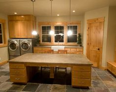"""""""craft Room"""" Design, Pictures, Remodel, Decor and Ideas - page 6  Love the Double duty craft rooms!"""
