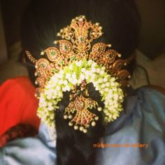 Design of the hairstyle - ruby-necklace-used-as-hair-ornament-for-bride Indian Wedding Hairstyles, Bride Hairstyles, Hairdos, Hairstyles Haircuts, Gold Hair Accessories, Bridal Accessories, Hair Jewelry, Bridal Jewelry, India Jewelry