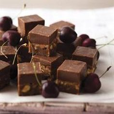 Almond truffels/Amandel truffels Truffels, Party Favors For Adults, South African Recipes, Love Chocolate, Cacao, Candies, Almond, Sweet Tooth, Sweet Treats