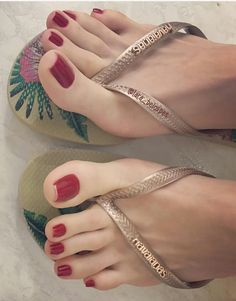 Only Sexy Feet & Toes — The stunning long toes and perfect nails of Lara...