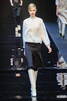 Photo feat. Josephine Skriver - Guy Laroche - Autumn/Winter 2012 Ready-to-Wear - paris - Fashion Show | Brands | The FMD #lovefmd