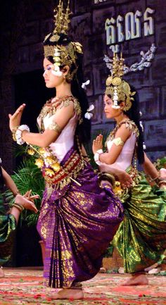Traditional dance Cambodia & Vietnam