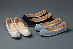 傳統鞋 Korean Traditional, Traditional Outfits, Korean Art, Sewing Stitches, Korean Fashion, Fashion Shoes, Vans, Footwear, Loafers