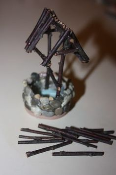 DIY to Make a Fairy Well so doing this for the fairy house I'm working on!Juise: DIY to Make a Fairy Well so doing this for the fairy house I'm working on! Mini Fairy Garden, Fairy Garden Houses, Gnome Garden, Fairy Gardening, Fairy Crafts, Garden Crafts, Garden Ideas, Diy Jardim, Fairy Village
