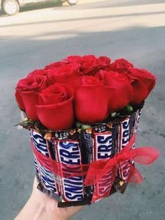 Best Valentine& Day Gifts For Him 11 - - Gift . - Best Valentine& Day Gifts For Him 11 – – poison …, - Diy Gifts For Him, Cute Gifts, Valentines Bricolage, Best Valentine's Day Gifts, Chocolate Bouquet, Chocolate Roses, Candy Bouquet, Food Bouquet, Candy Gifts