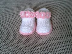 baby girl hand knitted booties от cecivladova на Etsy