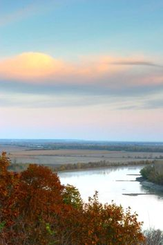 Kansas highways and byways take travelers to historic sites, breathtaking river views, small towns and more.