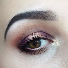 PURPLE SMOKY EYES with Sweet Peach palette @toofaced & @colourpopcosmetics Weenie   Products used: @urbandecaycosmetics Primer Potion in Minor Sin, @toofaced Sweet Peach (shades: inner corner - white peach and nectar, lid&lower lashline - delectable and peach pit, crease - summer yum), @colourpopcosmetics @kathleenlights Weenie in the center of my lids, @catrice.cosmetics Liquid Camouflage, @toofaced Better than Sex mascara and @maybelline Lash Sensational, @alcinaczsk Nude Liner