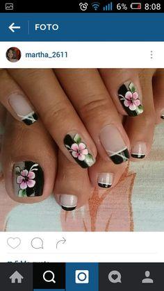 Uñas Cute Pedicure Designs, Toenail Art Designs, Pedicure Colors, Pedicure Nail Art, Toe Nail Art, Nail Art Diy, Mani Pedi, Glitter Toe Nails, Black Toe Nails