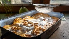 Stálice české kuchyně žemlovka se na našich stolech objevuje ve spoustě obměn. Tahle verze je inspirována Francií asnad si ji oblíbíte stejně jako my. Je velmi jednoduchá ahotová cobydup.