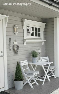 White Outdoor Decor