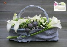 Flower Bag, Flower Boxes, Summer Decoration, Cemetery Flowers, Flower Artists, Floral Bags, Funeral Flowers, Arte Floral, Exotic Flowers