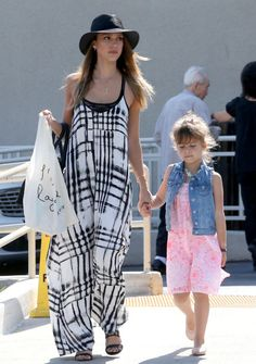 On the eve of Mother's Day, Sin City actress Jessica Alba and her 4-year-old daughter Honor enjoyed a girls' day out in West Hollywood, Calif. on Saturday (May 11). The fashionable mother-daughter duo were seen leaving a hair salon and later shopping at Pavilions.