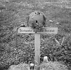 An unknown British paratrooper buried by German soldiers after the battle of Arnhem. Holland 1944