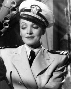 Marlene Dietrich in Seven Sinners (Tay Garnett, 1940)