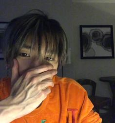 Find a guy whose hands are big enough to cover his face lol Taeyong's hands are big or his face is just small and I'm jelly 💚😂 Nct 127, Lee Taeyong, Kpop, Nct Dream Renjun, Jennie, Fandoms, A Guy Who, Reaction Pictures, Winwin