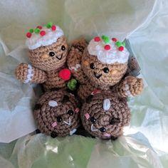 Gingerbread twins and chocolate cookies! Christmas is just around the corner!! ❤️ #amigurumifood #amigurumi #crochet #...