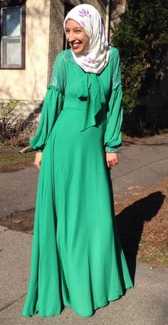 Available soon at Mode-sty this emerald green with lace detail dress. Shop Mode-sty #nolayering #sleevesplease