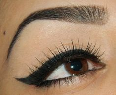Cat eye + Lashes+ defined brows