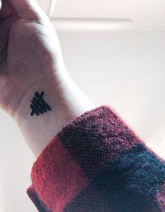 By: Volleyball Beauty♛ ♡ (VolleyballBeaut) Body Art Tattoos, Tattoo Drawings, Cool Tattoos, Tatoos, 5sos Tattoo, I Tattoo, Piercing Tattoo, Piercings, One Direction Tattoos