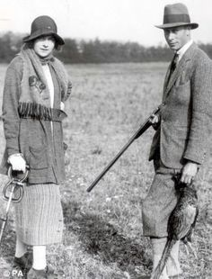 Edwina with the King during a shooting party in 1920.