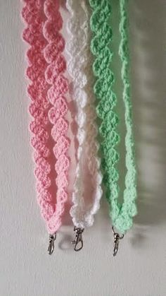 Great small: Crochet a key strip Crochet Lanyard, Crochet Keychain, Hobbies And Crafts, Diy And Crafts, Crochet Fashion, Crochet Patterns, Crochet Ideas, Knit Crochet, Upcycle
