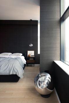 Purement contemporaine cette chambre épurée au décor minimaliste www.entreprise-cochet.fr
