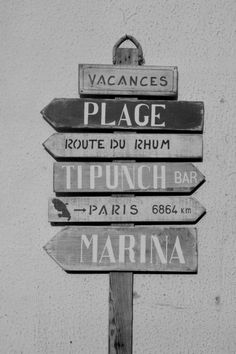 "Choose the right direction ! Inspiration Jean Louis David From: Photographie noir et blanc ""direction plage"" martinique, mai 2015 In Vino Veritas, Beach Signs, Arte Pop, Photo Black, Black And White Pictures, Black White, Belle Photo, Vintage Images, Black And White Photography"