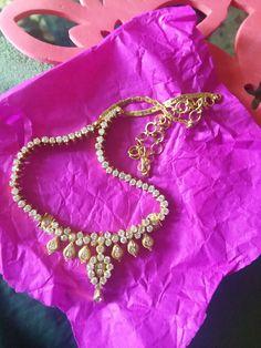 Diamond Earrings Indian, Gold Jhumka Earrings, Gold Bridal Earrings, Gold Earrings Designs, Gold Necklace Simple, Gold Jewelry Simple, Gold Necklaces, Short Necklace, 1 Gram Gold Jewellery