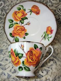 English Bone China: BEAUTIFUL Vintage Teacup and Saucer Queen Anne English Bone China Lush Peach Roses Anniversary Rose Vintage Cup and Saucer Tea Time China Collectible Cups and Saucers Tea Sets Vintage, Vintage Cups, Vintage Crockery, Vintage China, Teapots And Cups, Teacups, China Tea Sets, Tea Cup Saucer, Queen Anne