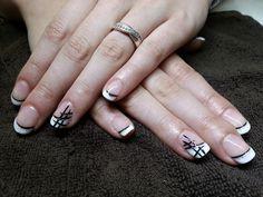 Vernis semi permanent en french sur ongles naturel