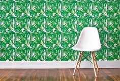 'Green Leaf' wallpaper by Chasing Paper. This print is inspired by greenery everywhere from Central Park to Southeast Asia. It's a Chasing Paper best seller! Green Accent Walls, Green Accents, Bliss, Tropical Bathroom, Bathroom Green, Bathroom Wall, Tropical Interior, Funky Home Decor, House Prices