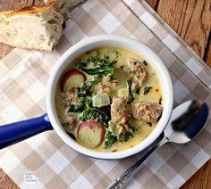 A lighter copycat version of a restaurant favorite Zuppa Toscana Soup. A lighter copycat version of a restaurant favorite Zuppa Toscana Soup. Copycat Zuppa Toscana, Zuppa Toscana Suppe, Toscana Soup, Pork Recipes, Cooking Recipes, Healthy Recipes, Ww Recipes, Healthy Meals, Bedroom Decor