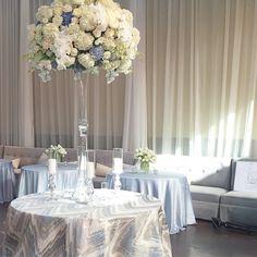 Love these silver flamestitch linens from @idolinens #jacksondurham #floraldesign #eventdesign #weddingdesign @toast_events #toastevents #fullystaffed4415