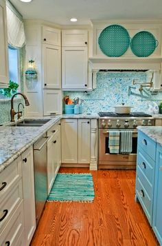 House of Turquoise: Kevin Thayer Interior Design Everything will be turquoise in my future home! House Of Turquoise, Turquoise Room, Beach House Kitchens, Home Kitchens, Blue Backsplash, Backsplash Ideas, Kitchen Backsplash, Kitchen Countertops, Black Countertops